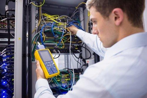 technicien maintenance serveur informatique test