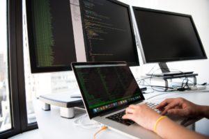 Intervention en entreprise d'un technicien informatique regie